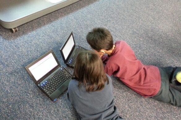 Безбедност деце и младих на интернету